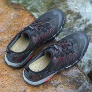 户外溯溪鞋,防泼水、透气效果好